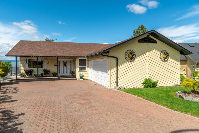 Stunning Panoramic Views Of The Entire Kamloops Valley!  3 Bedrooms & 2 Baths