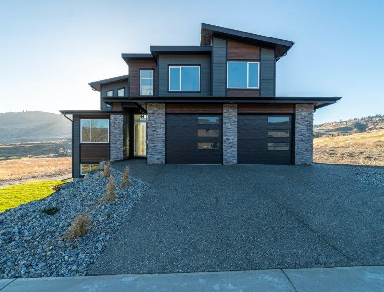 Stunning Glen-Lor Built Home With a Classy Architectural Floor Plan! 5 Bedroom & 4 Bath