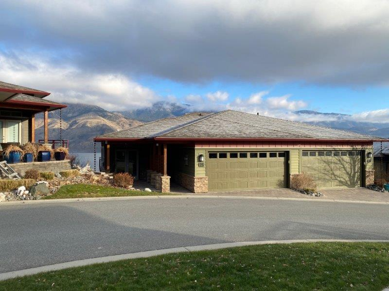 Sensational Waterfront Townhome Offering An Amazing Unobstructed View Of Kamloops Lake!